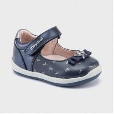 Mayoral- Обувки с каишка щампа